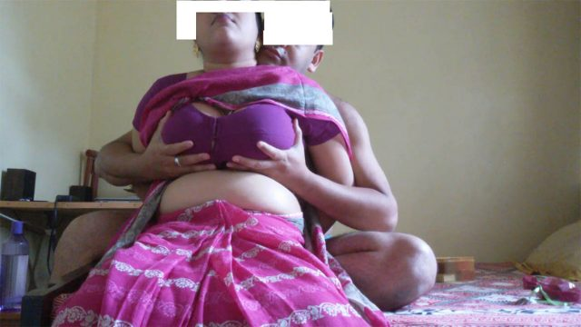 Indian big boobs bhabhi in tight blouse