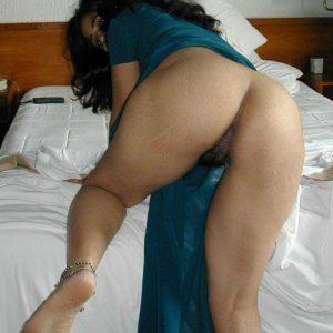 Moti gand wali aunty ki photo
