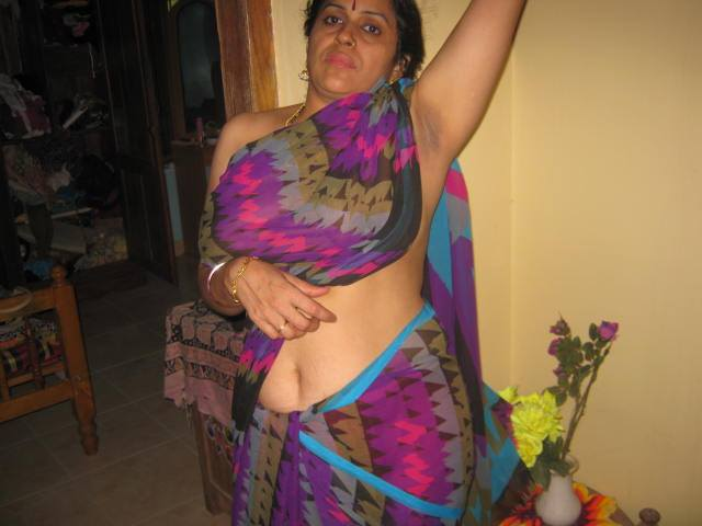 saree hot girl nude
