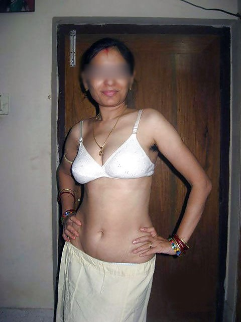 Desi Indian Girl Showing Photos