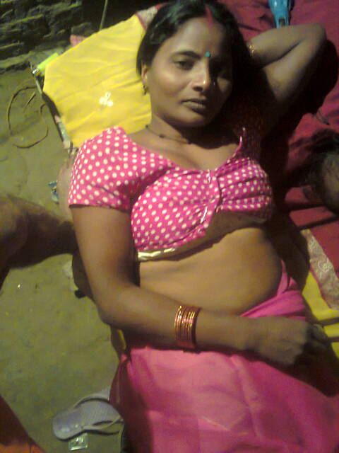 New Sexcy marathi necket housewife