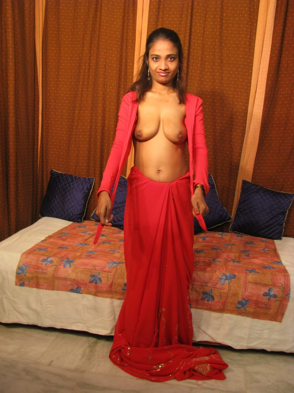 Saree nude indian girl