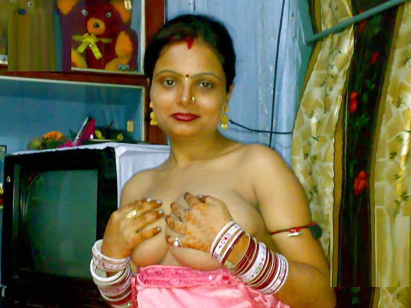 Aunty in nighty