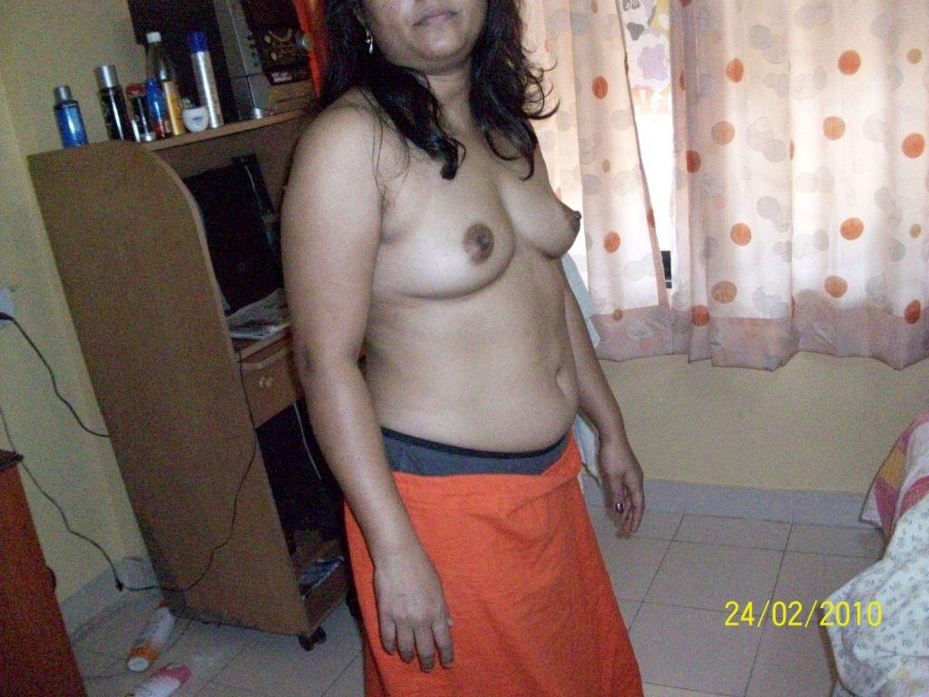 nude and hot mature womens