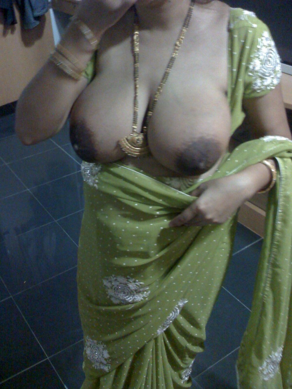 Hot sweaty wet sexy naked mallu aunties