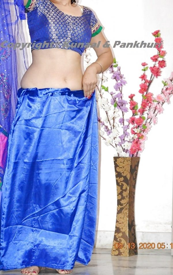 Petticoat Blouse Stills  Hot Girls Big Boobs In Blouse Pics-3206
