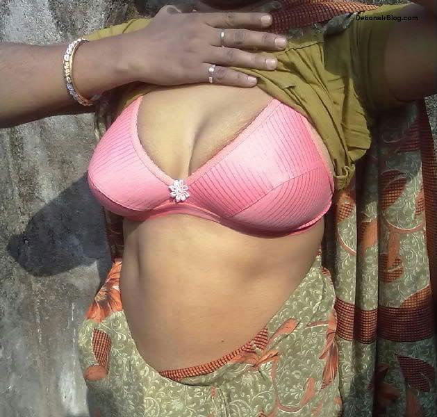 desi bhabhi huge bra boobs show moti chuchi wali bhabhi