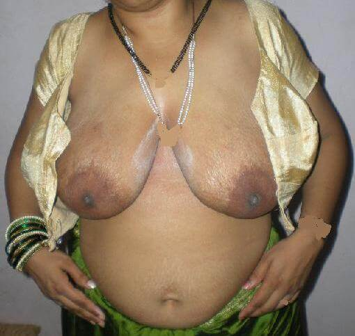 Desi bhabhi huge boobs hot pics