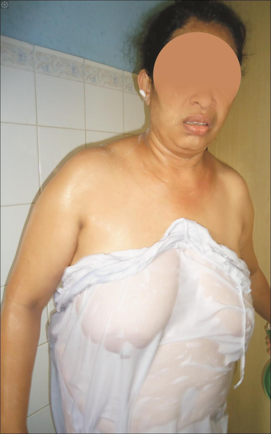 naked pic gallery of village lady