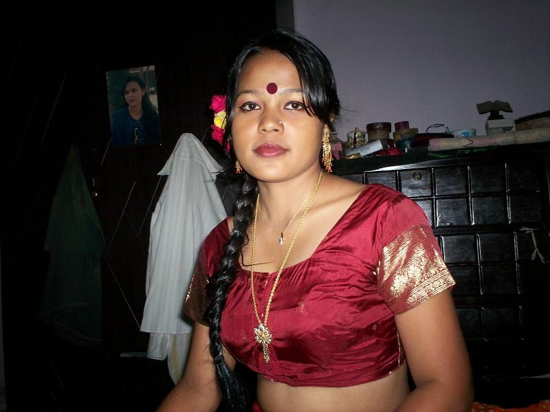Nepali saree stripping xxx photo