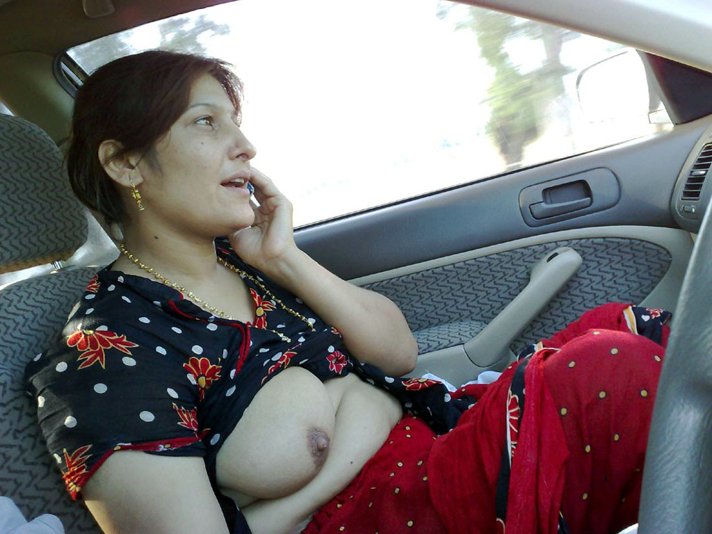 pakistani hot big boobs aunty