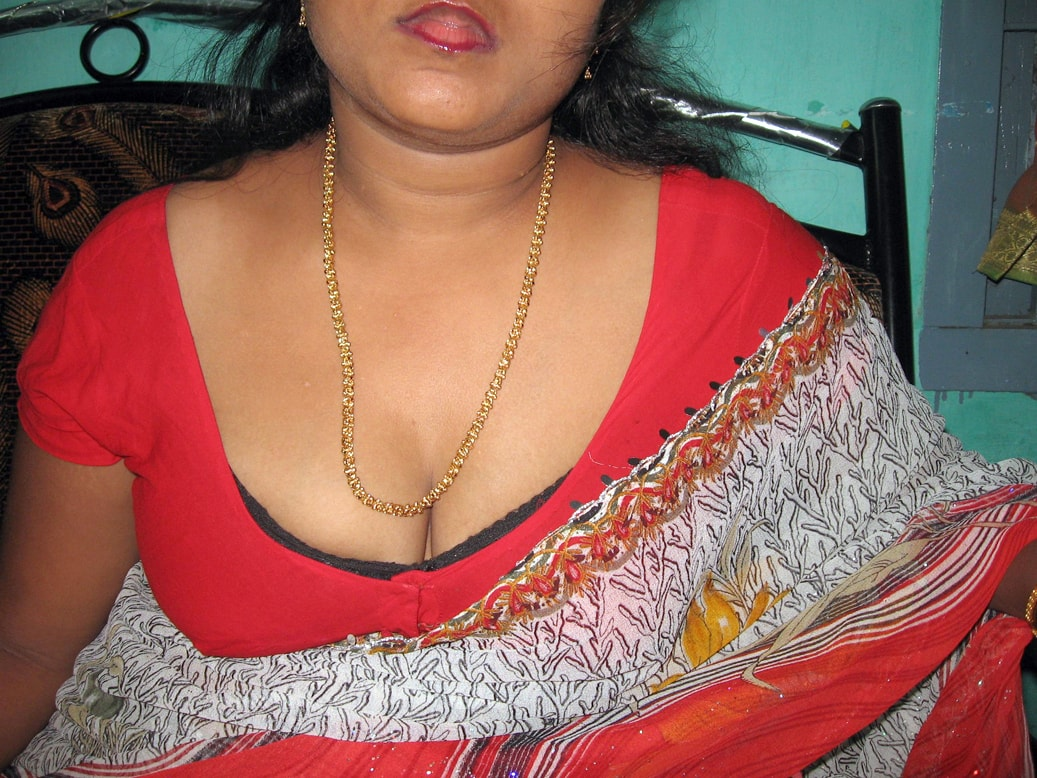 bangladeshi nude public places girls