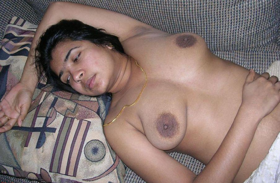 naked very young flat chested women