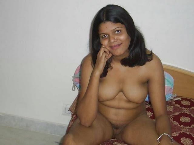 Desi moms sex photos | Mummy ki moti Chuchi ka doodh piya ...