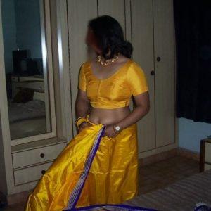 Komal aunty yellow petticoat blouse