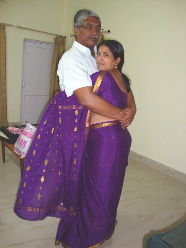 Are Telugu aunty boobs photos She's