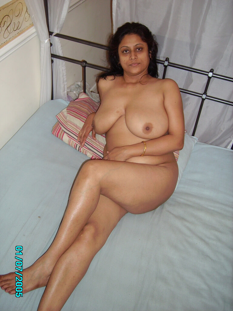 Bhabhi naked photo