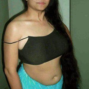 Telugu saree aunty nude photos