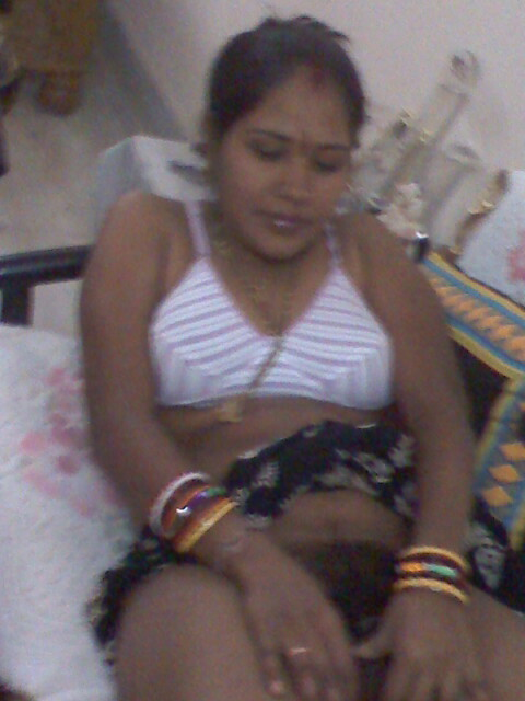 Bangalore sexy indian wife stripping saree - 2 part 5