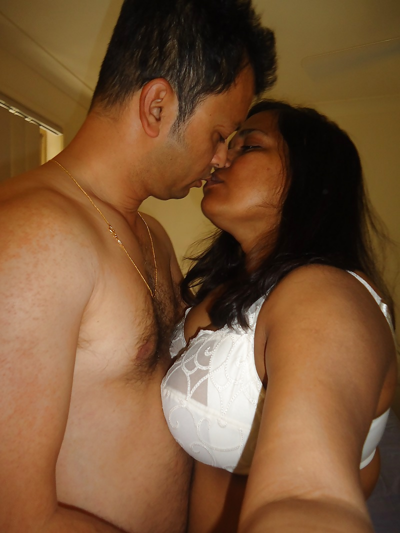 Naked sex and kissing load one