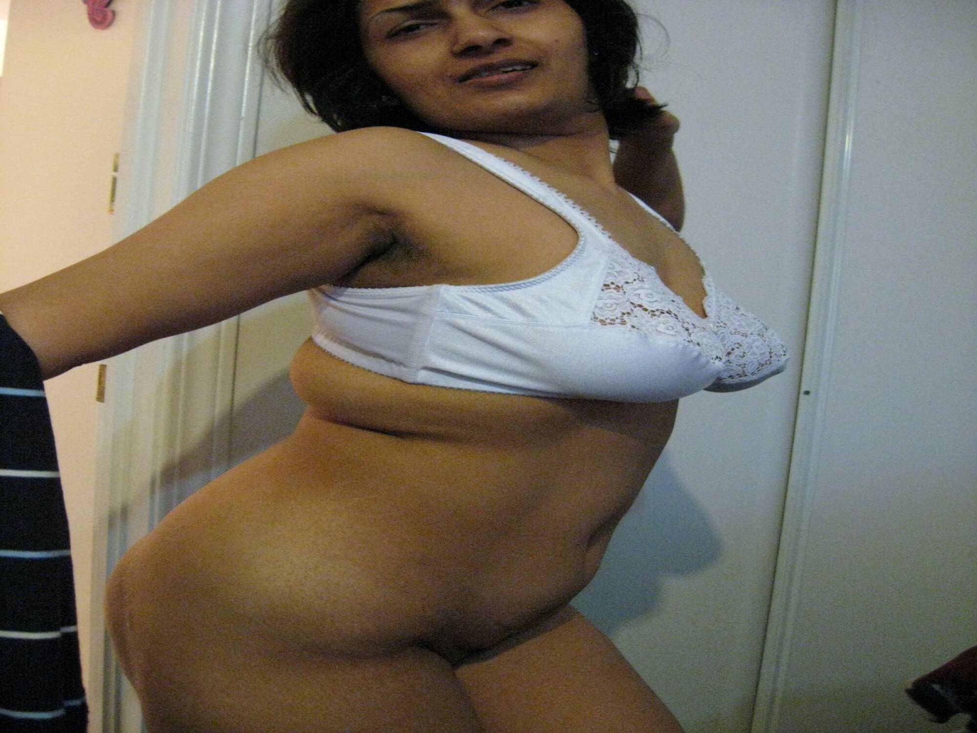 Bangladeshi Village Housewife Xxx     -4744