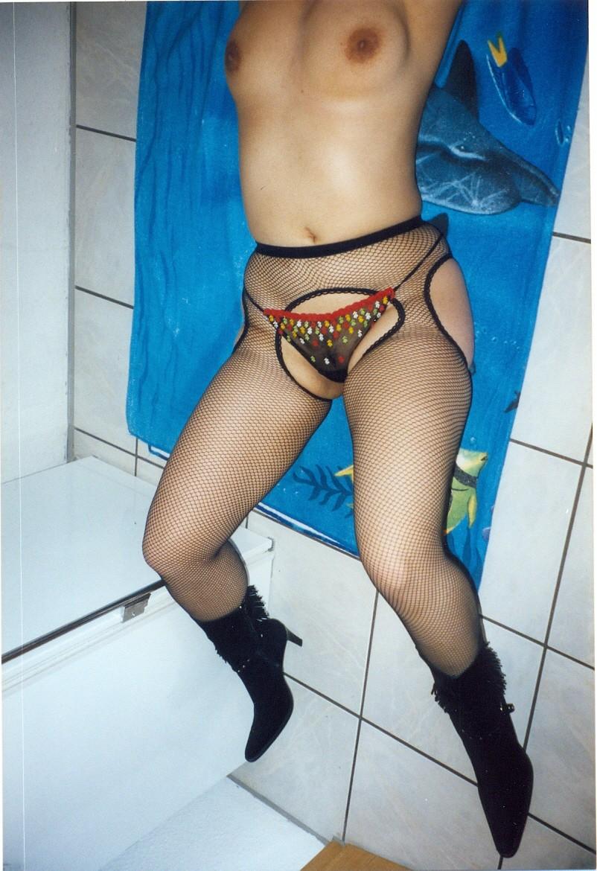 host a swinger sex party