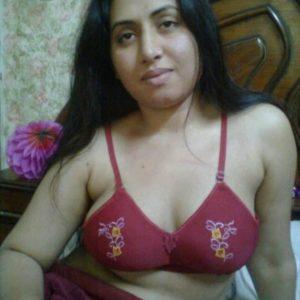 Super CloseUp Desi Indian Bhabhi Blowjob  XVIDEOSCOM