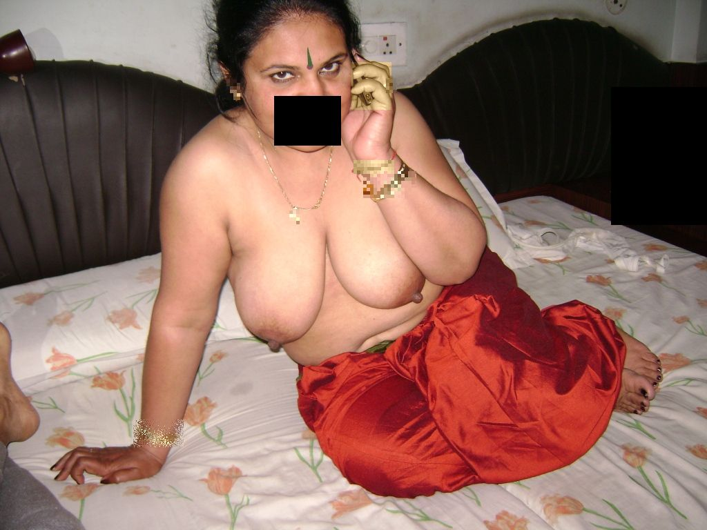 Telugu big booty saree remove nude