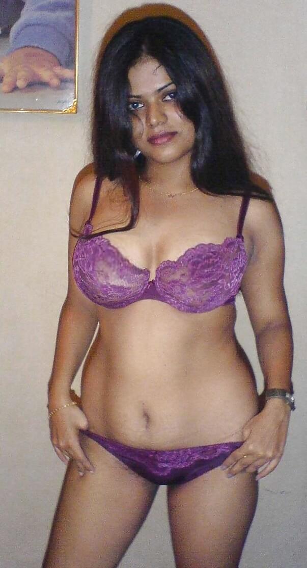 American Indian Girl Remove Saree Blouse  Nri Girl -4949