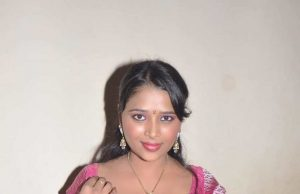 Doodhwali saree aunty