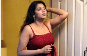 Maxi removing marathi housewife