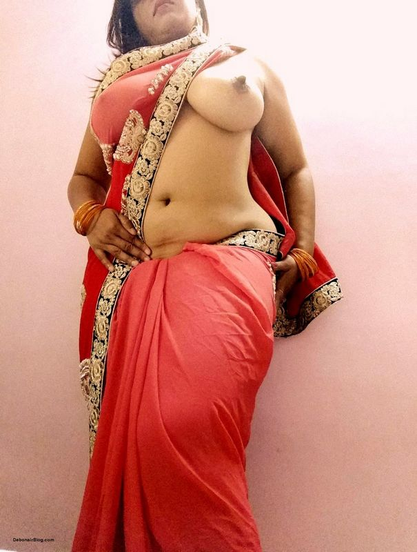 Bhabhi ass in saree think, what