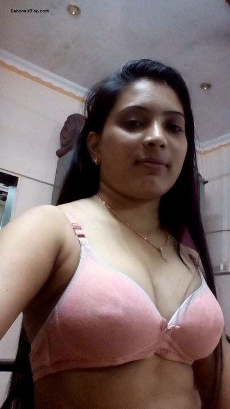 Bhabhi panty and bra remove to expose her big milky boobs