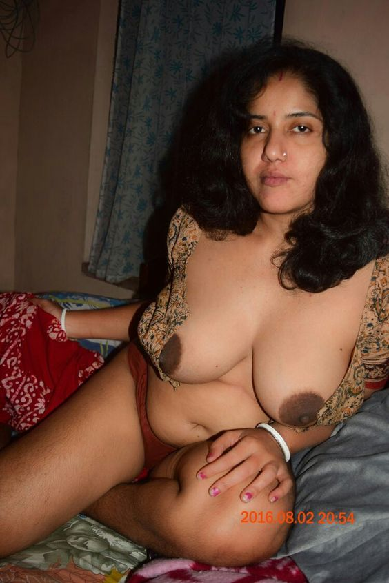 Bhabhi ki saree me nangi chuchi ki sexy photos | HD Sex ...