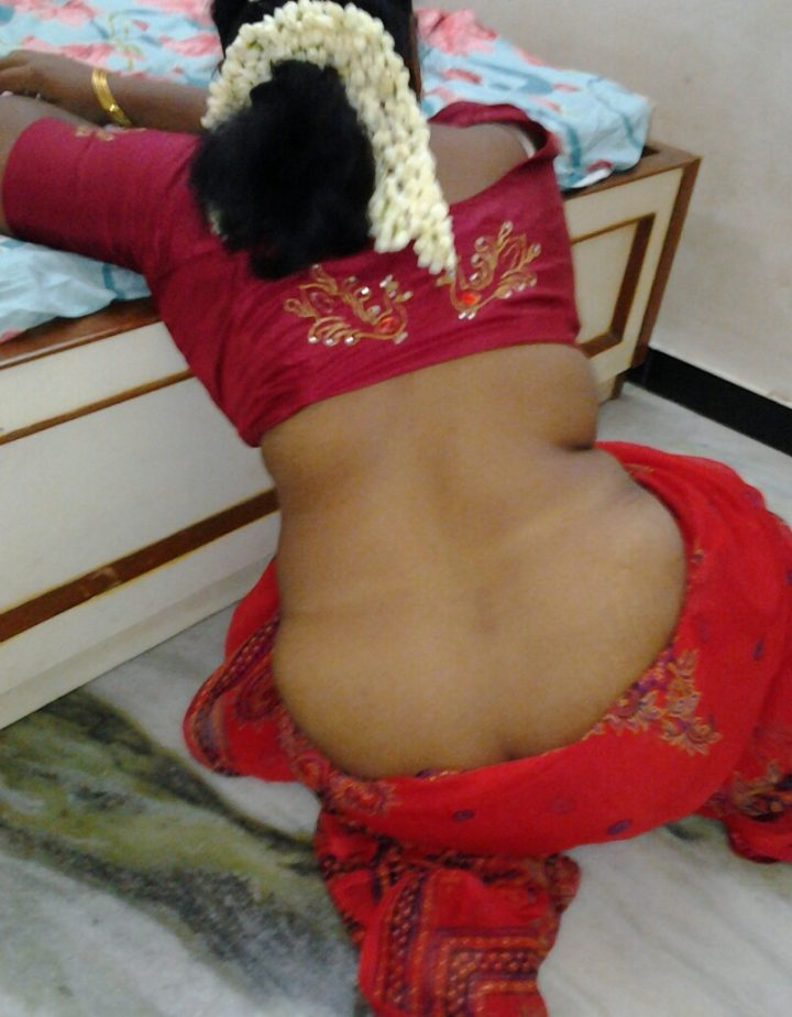up nude saree Aunty