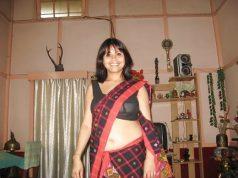girl navel in low waist saree