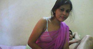 Indian hot saree bhabhi change her blouse & petticoat