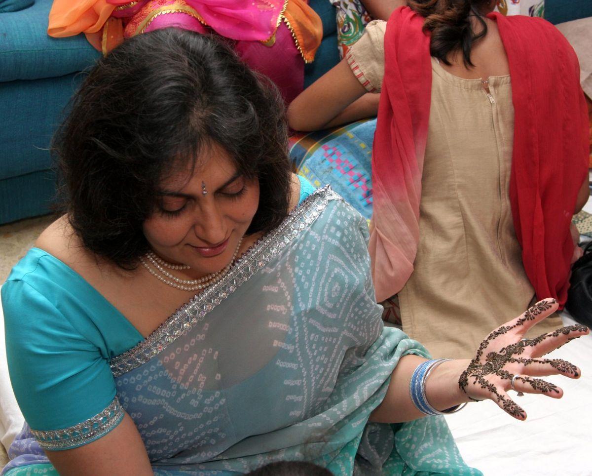 Indian bhabhi saree