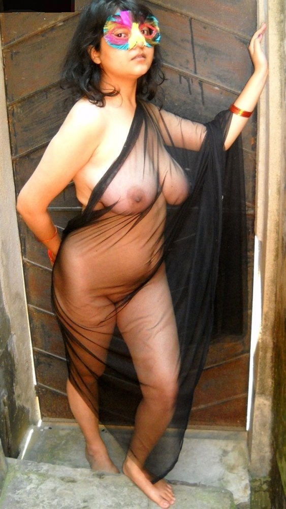Desi Bhabhi Ramila Striping To Show Boobs  Desi Nude Aunty-1126