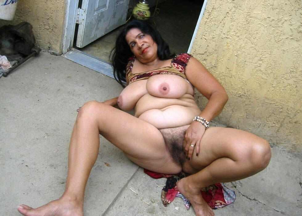 Village aunty hot full naked photo have