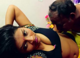 Aunties saree blouse cleavage