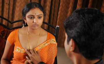 removing saree