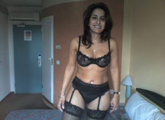 Indian mom porn pic