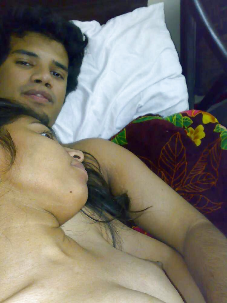 Indian Girlfriend Boyfriend Honeymoon Photos  Desi Couple -3551