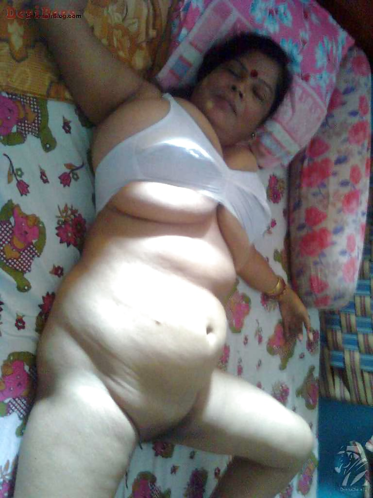 from Misael mallu aunty so hot nude pics