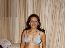 sexy-indian-old-woman-big-boobs-eating-motherinlaw