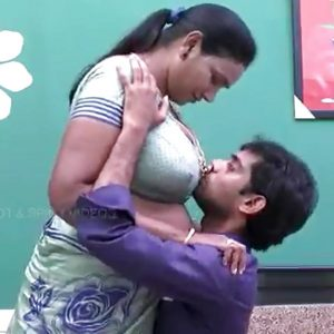 housewife remove saree blouse