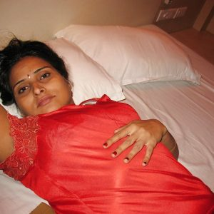 aunty in sexy nighty